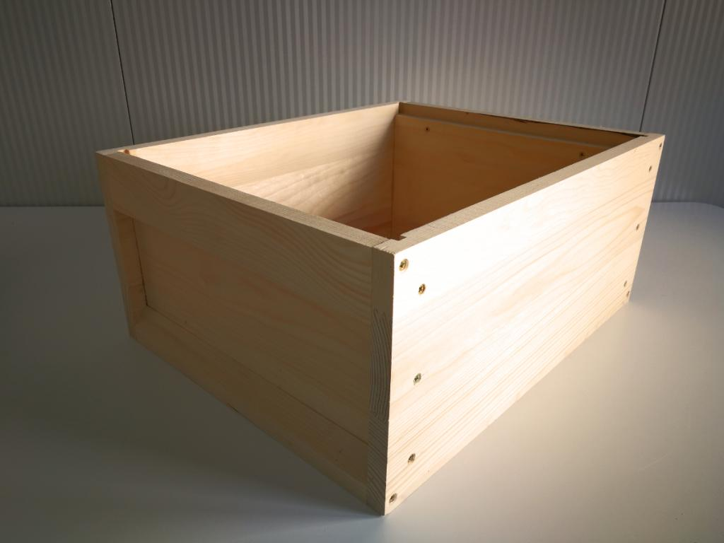 Hive body with metal frames holder - Zander Frame height 220 mm